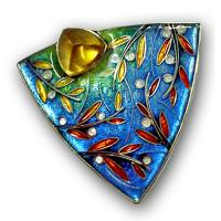 <p>Brooch<br />2007 <br />35mm x 35mm<br />Stg and fine silver, cloisonn&eacute; enamel, citrine.</p>